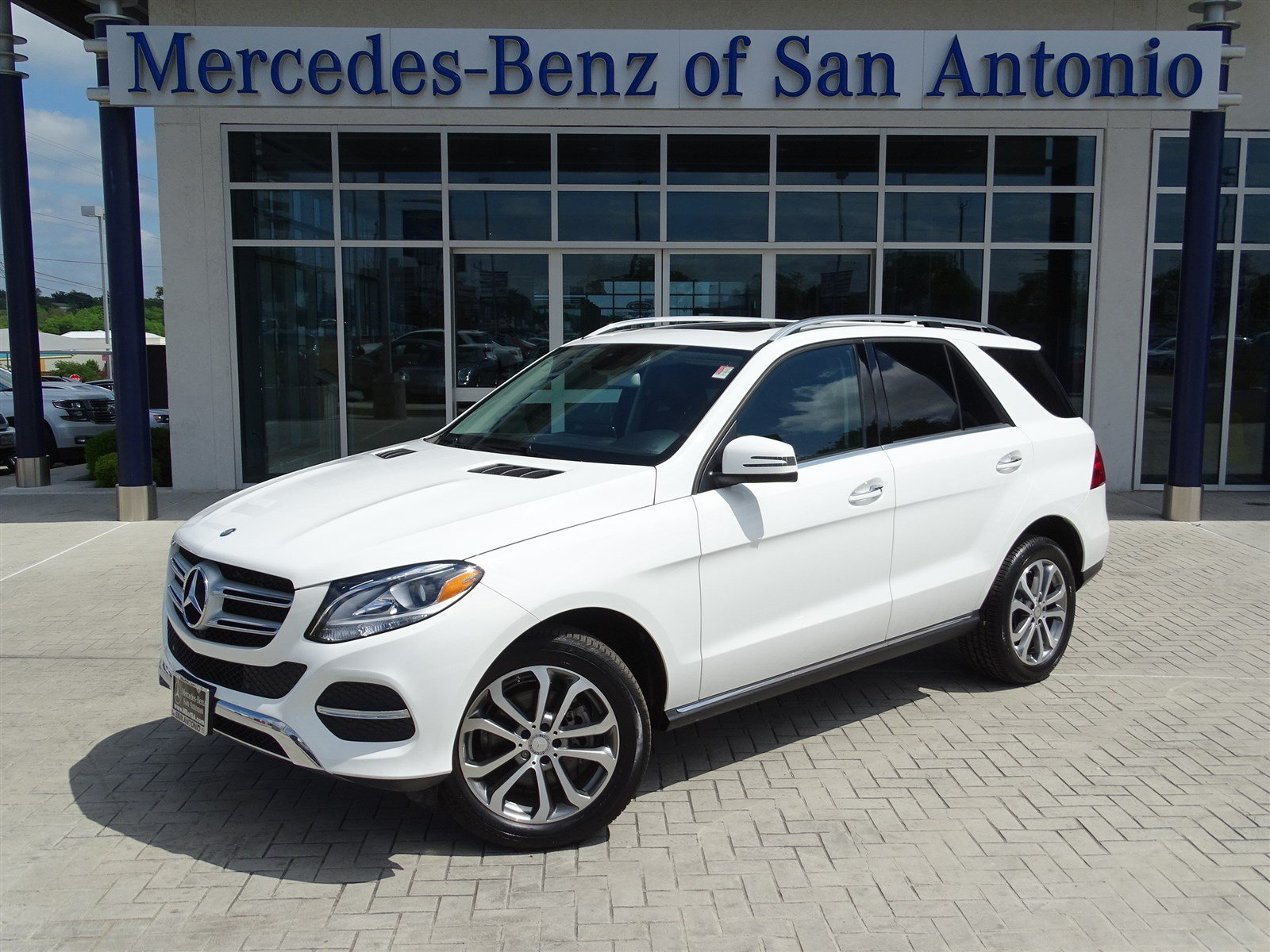 certified pre owned 2016 mercedes benz gle gle 350 suv in san antonio n13988 mercedes benz of. Black Bedroom Furniture Sets. Home Design Ideas